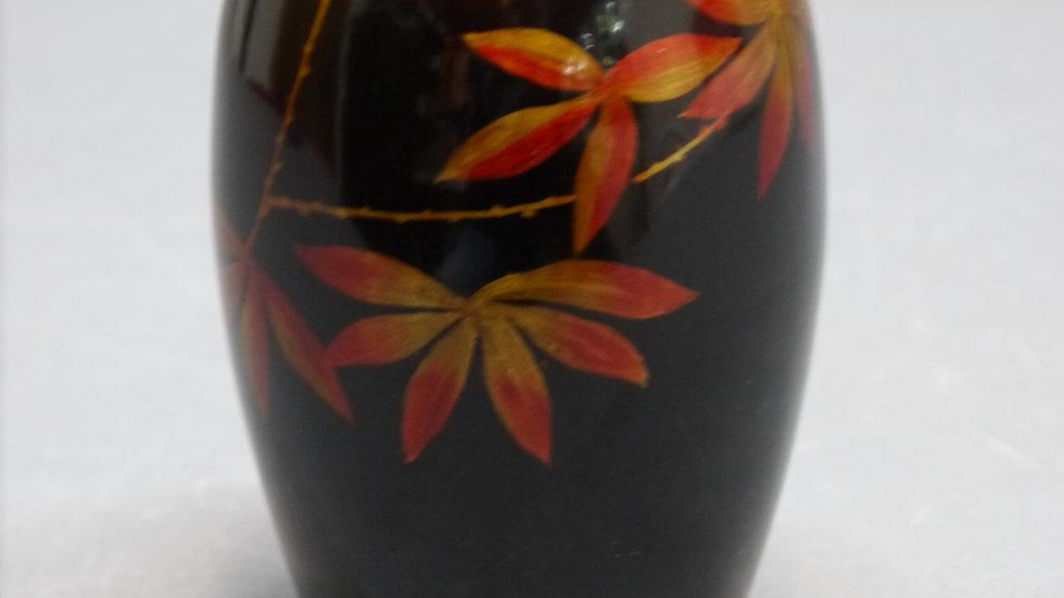 """Stilvolle, kleine Vase: """"Lackmalerei""""..."""