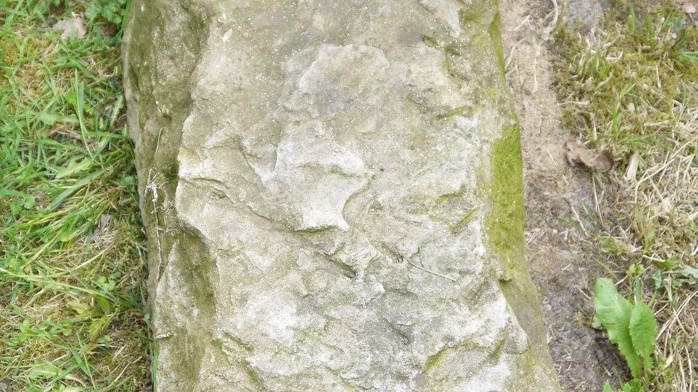 Schöner, alter Sandstein-Quader...handbehauen... -A-