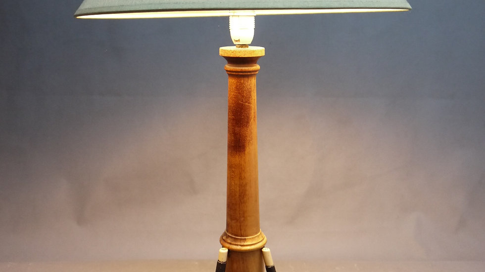 Seltene ältereTischlampe, für Golf- Freunde, mit Schlägern & Bällen