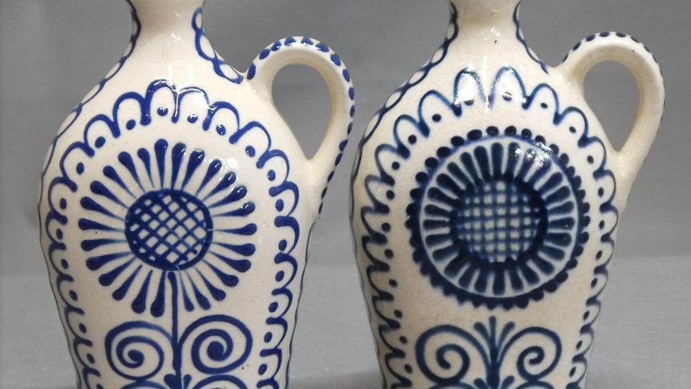 """2  stilvolle Krüge / Flaschen,  Keramik, mit """"Blaumalerei""""..."""