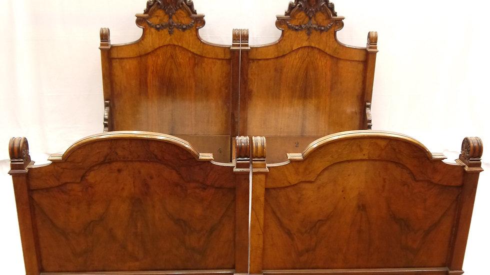 Paar sehr schöner Prunk-Betten des Historismus um 1880...