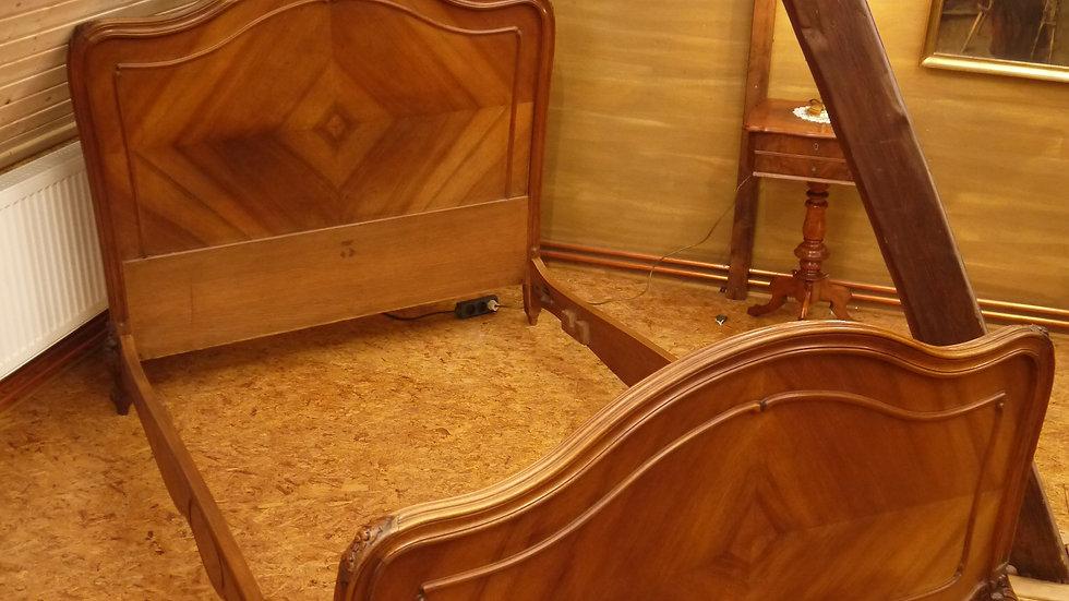 Sehr schönes Prunk-Bett im Barock-Stil, Nuß um 1900...