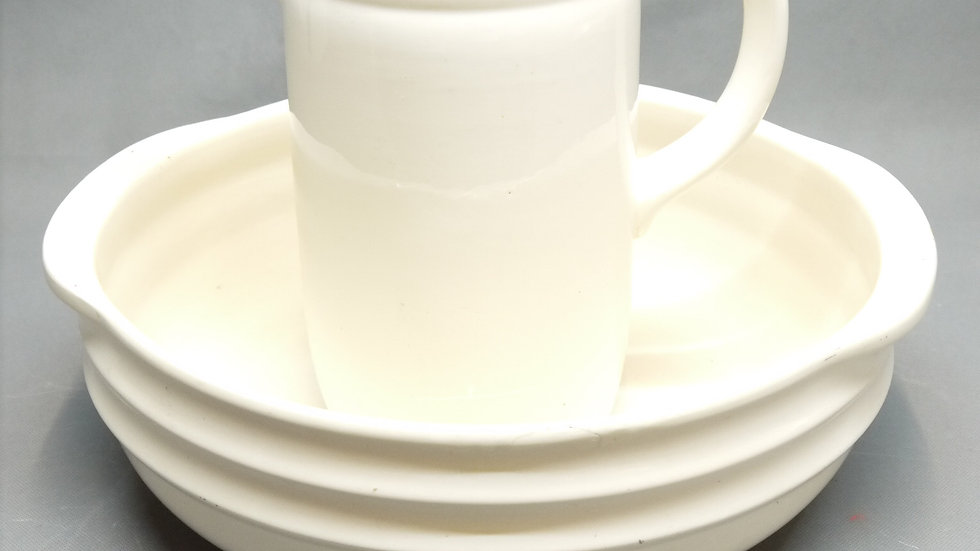 Schönes, altes Keramik-Waschset