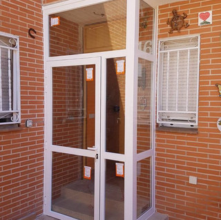 Cerramiento Puerta exterior.jpg