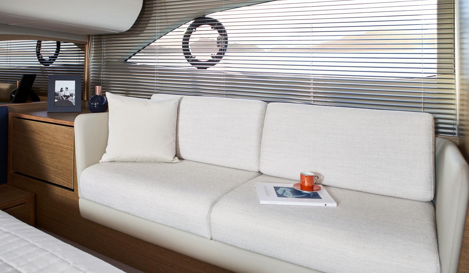 princess-f45-master-cabin-detail-1-rt.jp