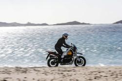 Moto_Guzzi_V85TT_Action__5_.jpg