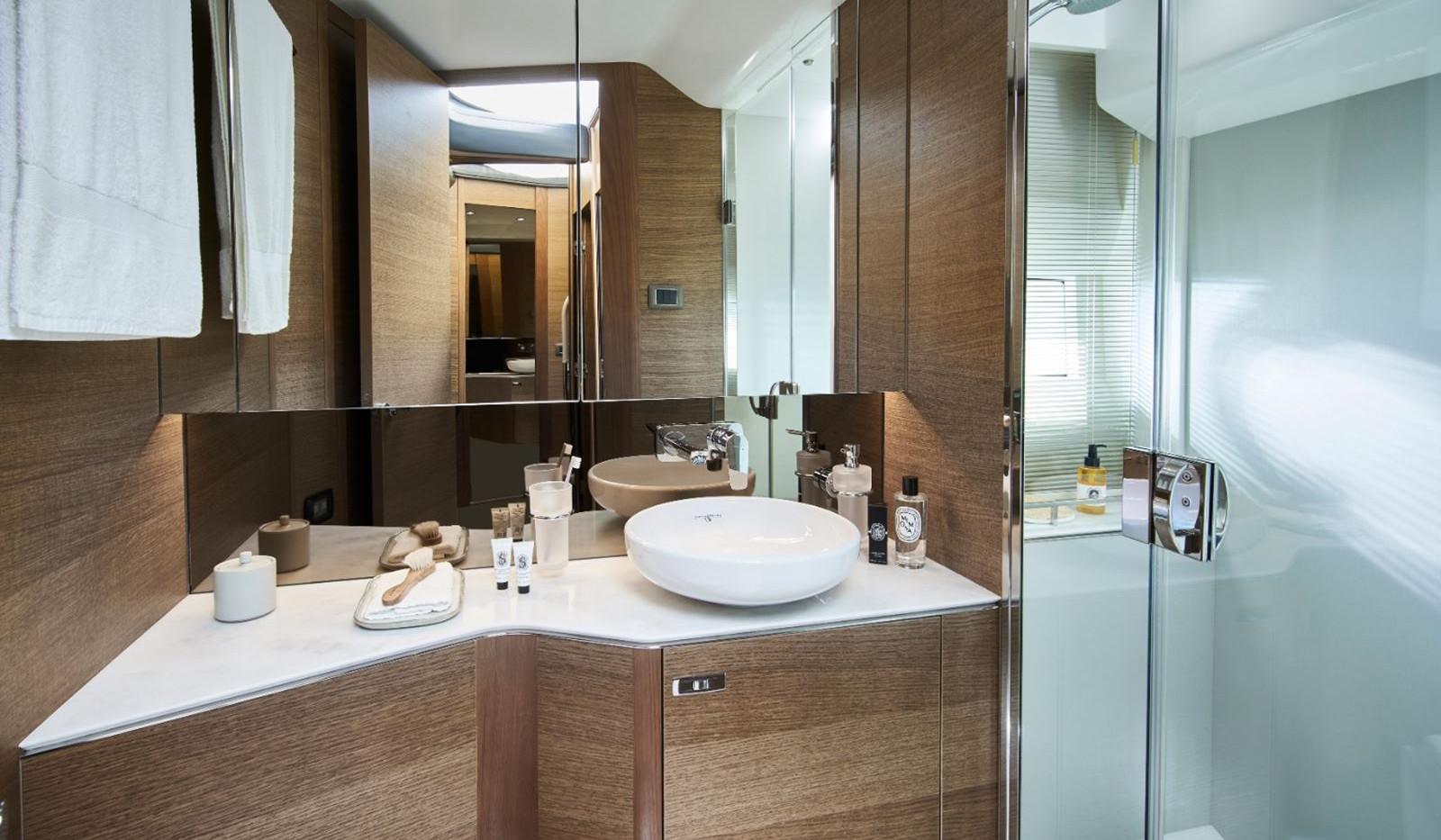 princess-f45-forward-bathroom-rt.jpg
