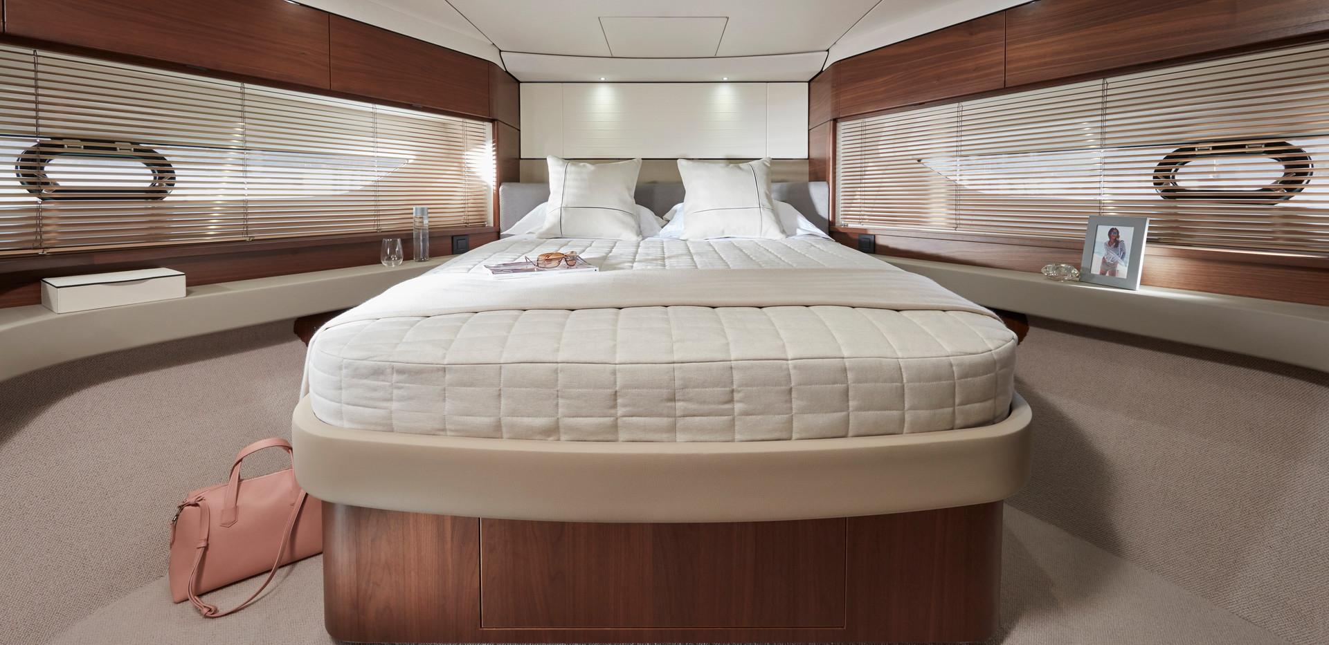 f55-interior-forward-cabin.jpg