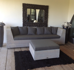 THE CHILL OUT SOFA!
