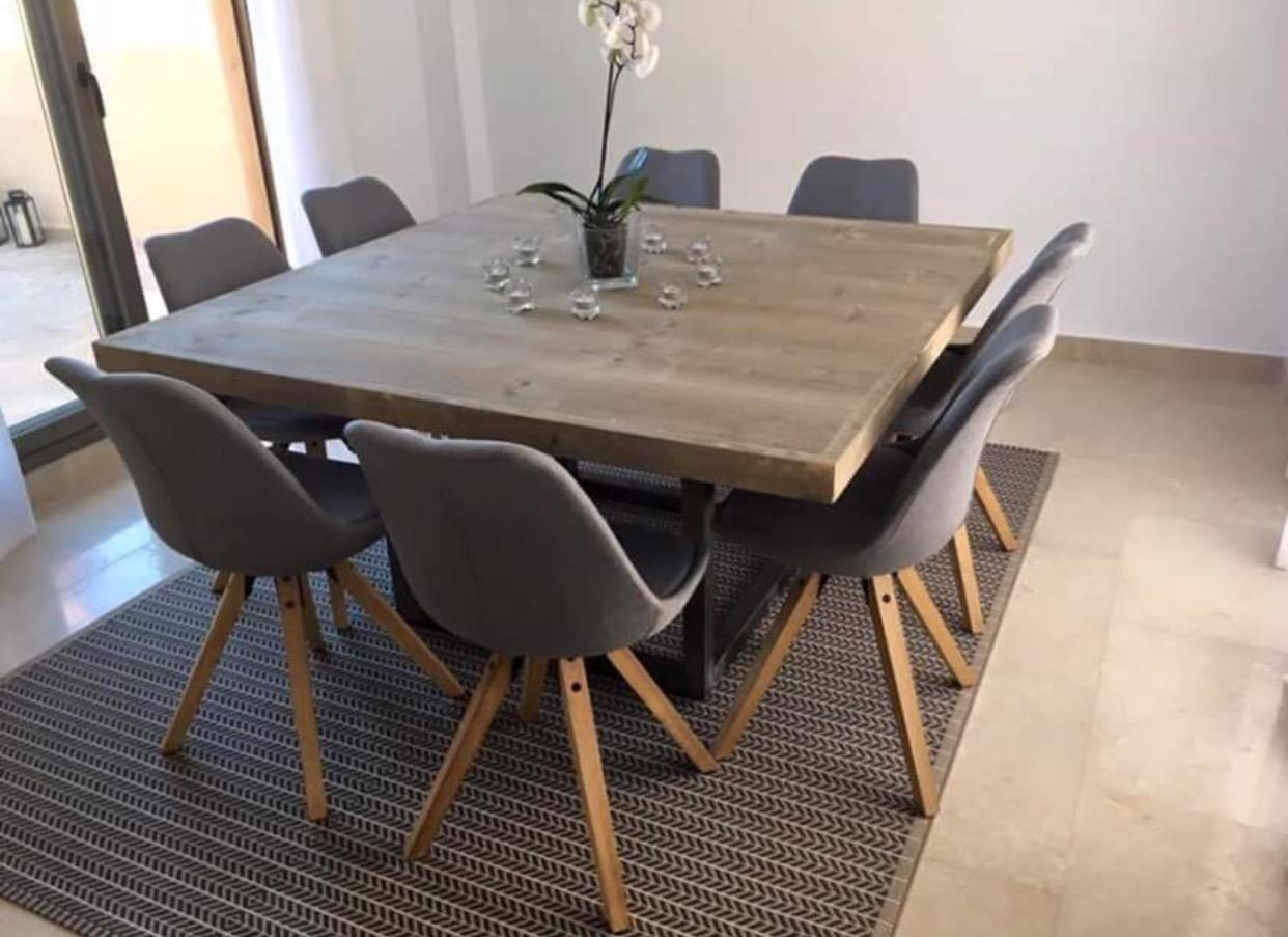 MONTERO TABLE