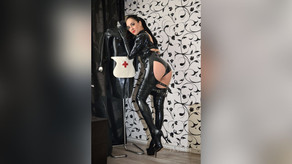 AngelikaCroft-Latex Lover-Gazing Fetish
