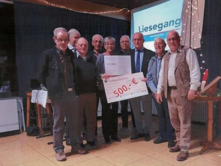 Alte Herren Vereinigung Grünberg-Weickartshain spendet Bingo-Gewinne