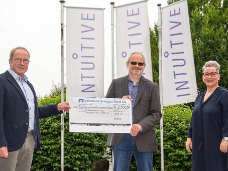 Intuitive Surgical Optics GmbH spendet an den Elternverein für leukämie- undkrebskranke Kinder Gieß
