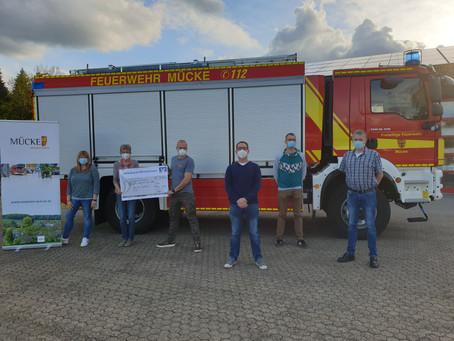 Spendenaktion der Freiwilligen Feuerwehr Mücke