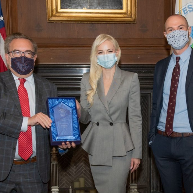 PHILANTHROPIST LOUISE LINTON JOINS WCW CAMPAIGN TO FREE LAB ANIMALS