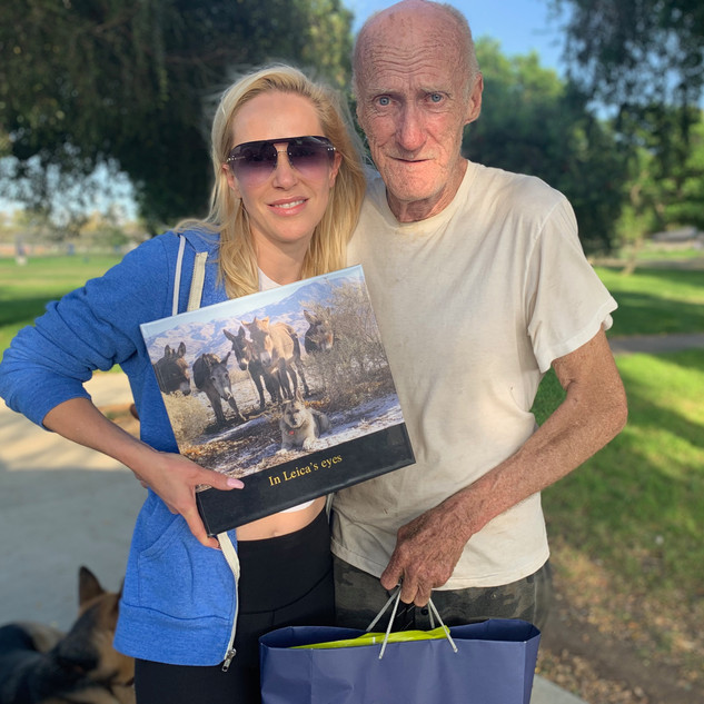 LOUISE PHOTOGRAPHED WITH UNHOUSED FRIEND RICHARD