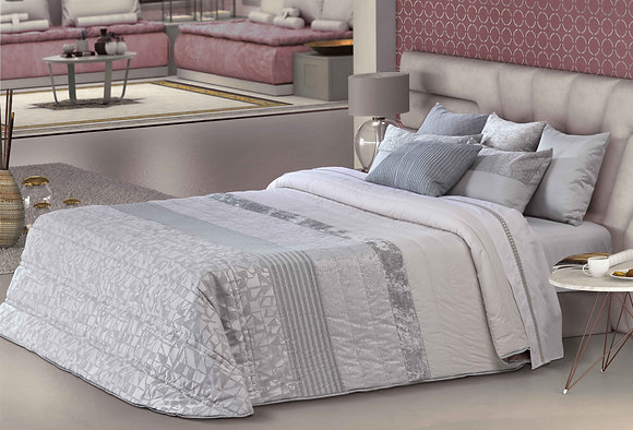 Socrates Comforter (Bouty) King Set
