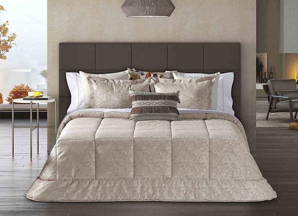 Lopes Comforter