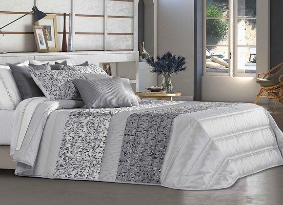 Decartes Comforter (Bouty)