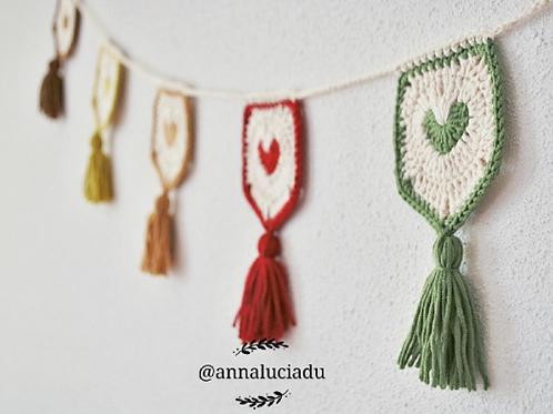 Heart garland crochet pattern