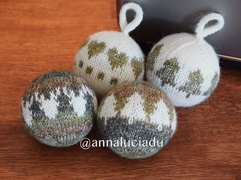 knitting christmas ball