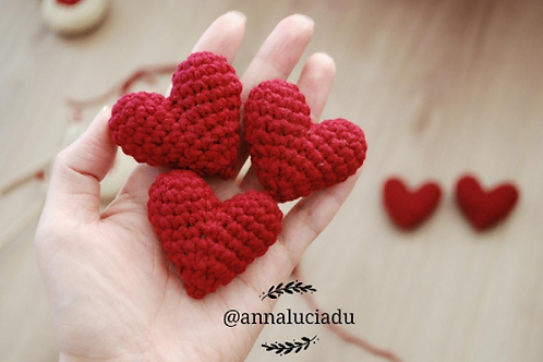 Crochet heart, crochet amigurumi heart