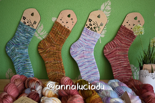 Knit basics socks with 3 different tools