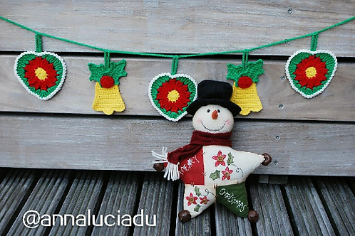 Crochet bell christmas garland pattern