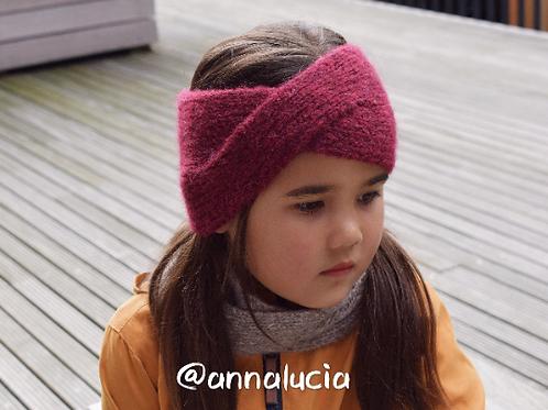 Twist knitting headband