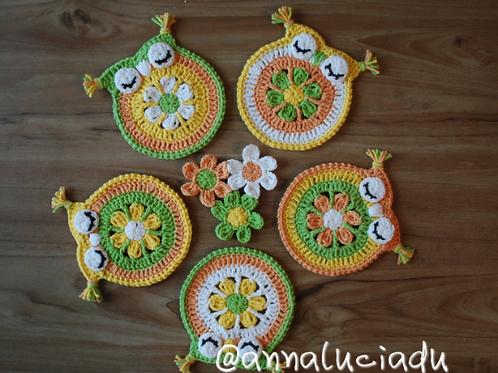 Crochet daisy owl coaster pattern