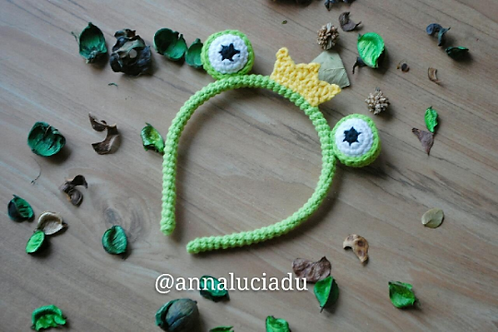 Crochet frog headband pattern