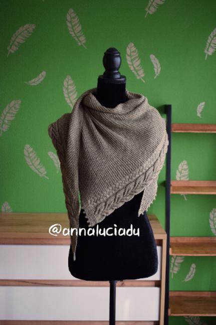 Knitting cable shawl