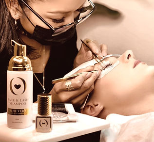 ONE by ONE Schulung   LOVELAHOLIC Beauty & Academy in Chur