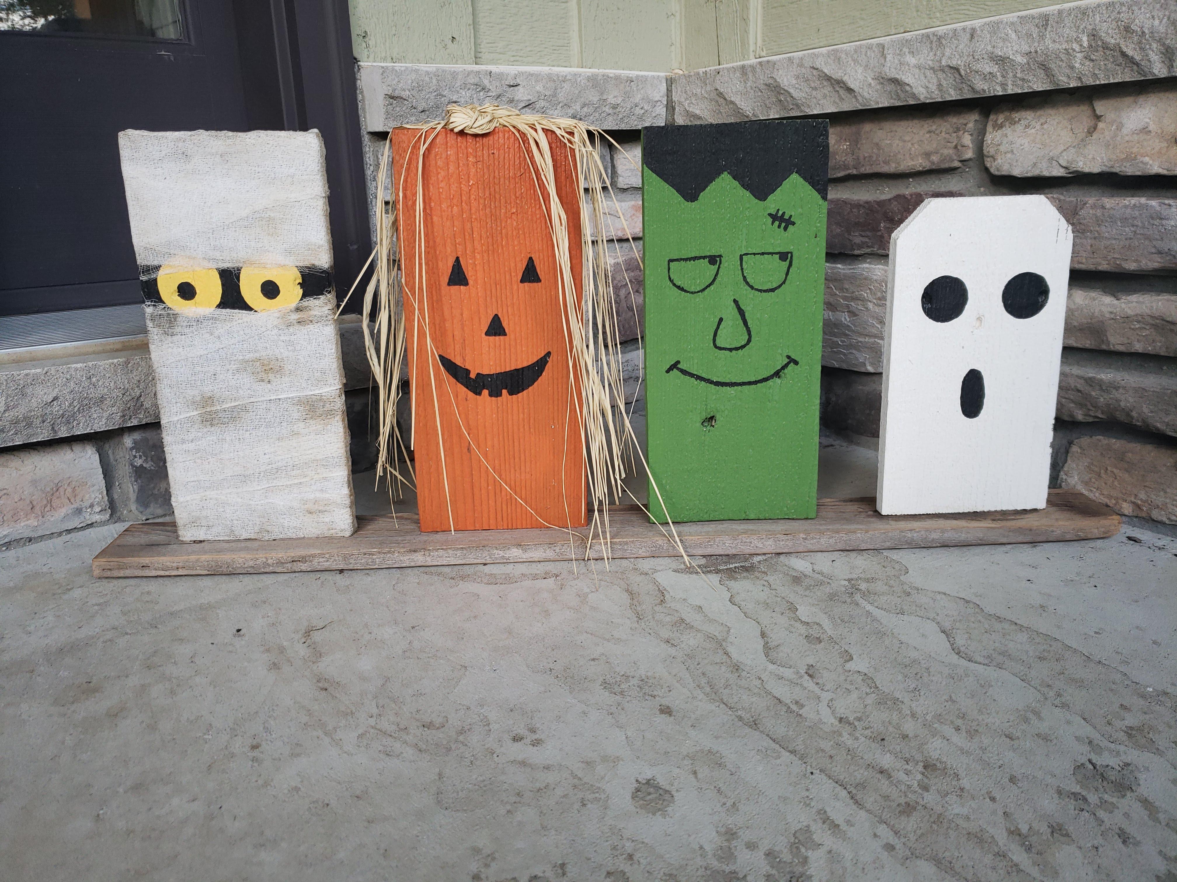 Pallet Halloween Characters