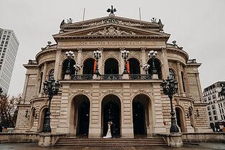 Alte Oper Brautpaar.jpg