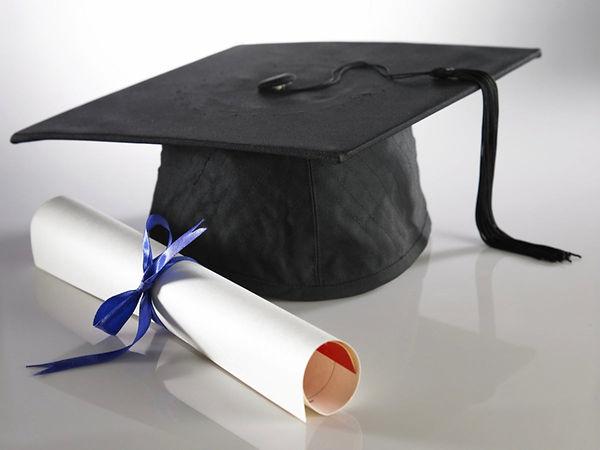 graduation_cap_shutterstock_32907358-152