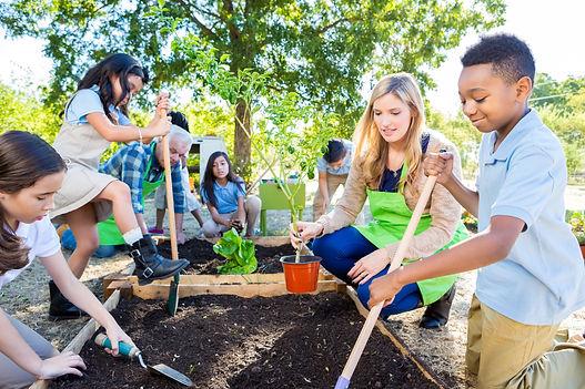 Kids_Gardening.jpg