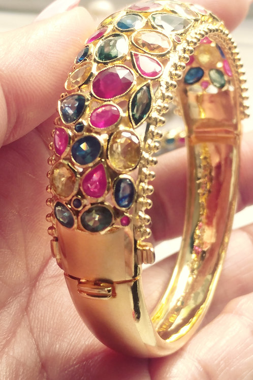 Multiple colors sapphire bangle