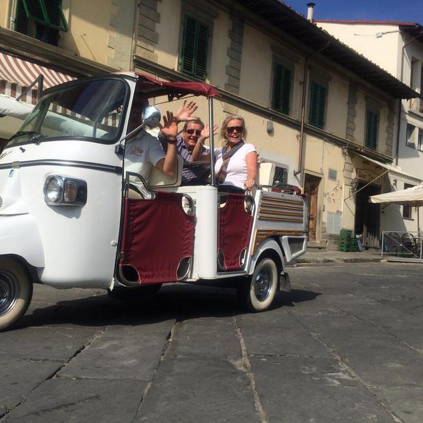 Fun! in front of Caffè Desiderio , Settignano