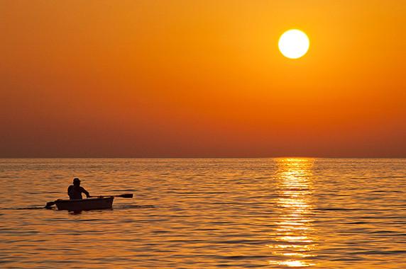 Coucher de soleil à Anaxos Skoutarou © Luc Teper