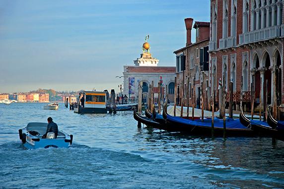 Sur le Grand Canal ©Luc Teper