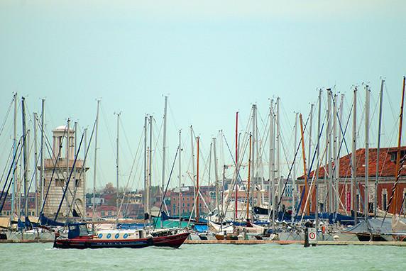 La marina de San Giorgio Maggiore ©Luc Teper