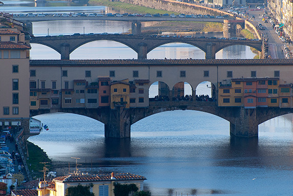 Ponts de Florence vus de la place de la République © Luc Teper