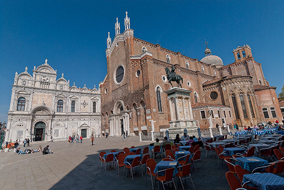Basilica dei Santi Giovanni e Paolo ©Luc Teper
