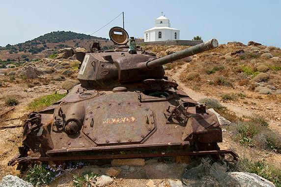 Guerre et paix (quelque part au nord de Mitilène?) © Luc Teper