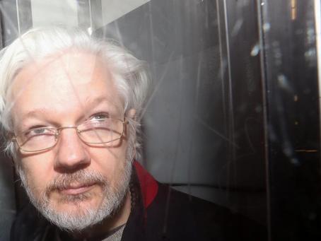 Assange et les biais cognitifs