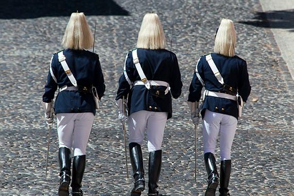 Relève de la garde au palais présidentiel à Lisbonne ©Luc Teper