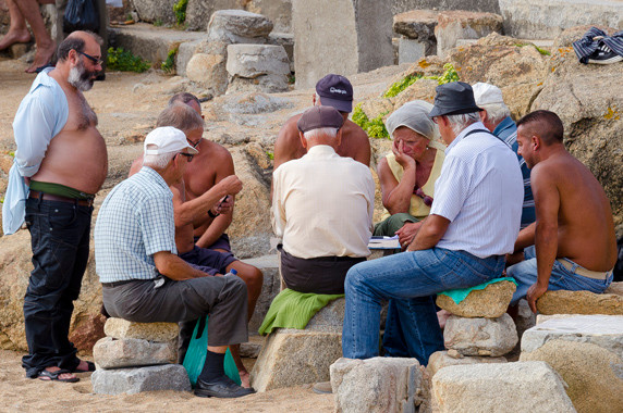 Joueurs de cartes sur la plage de Matosinhos (Porto) © Luc Teper