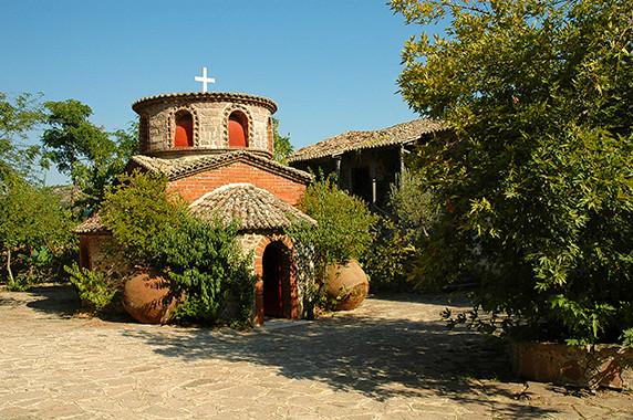 Chapelle au sein du monastère de Limonos © Luc Teper
