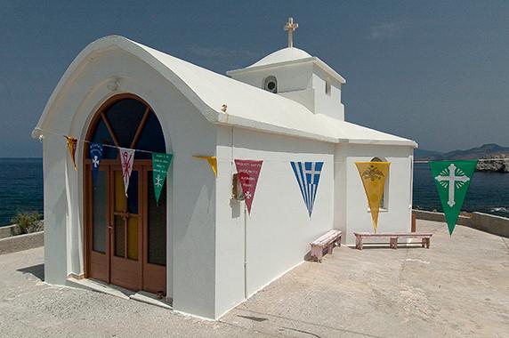Chapelle (quelque part au nord de Mitilène?) © Luc Teper